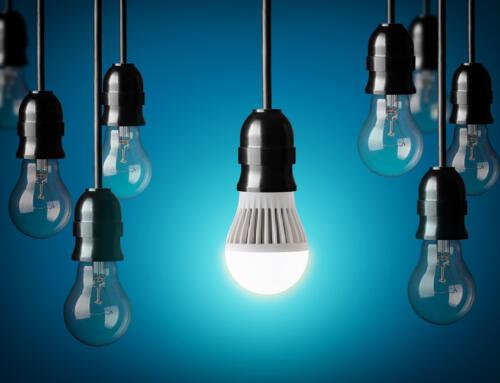 LED Light Bulb vs Incandescent Light Bulb